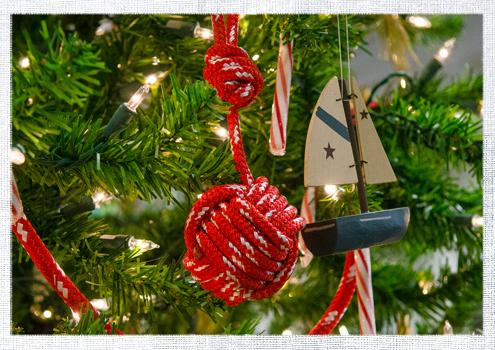 2014_December-Christmas-Tree-2