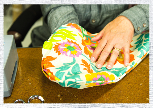 How to Make a Lumbar Pillow with Piping